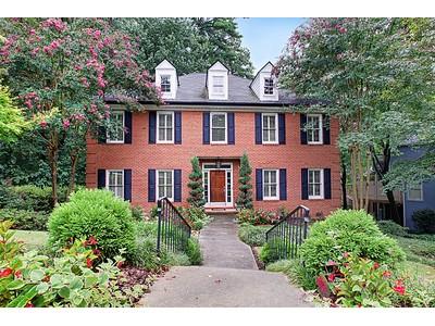 단독 가정 주택 for sales at Beautiful Traditional Home 545 Montgomery Ferry Drive Atlanta, 조지아 30324 미국