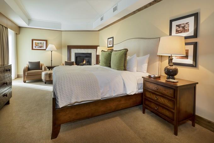 Nhà ở một gia đình for sales at Fantastic Core Location 501 E Dean Street F-501   Aspen, Colorado 81611 Hoa Kỳ