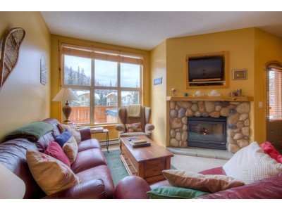 Moradia for sales at Three Bedroom Centrally Located Townhome 48-6005 Valley Drive Sun Peaks, Columbia Britanica V0E5N0 Canadá