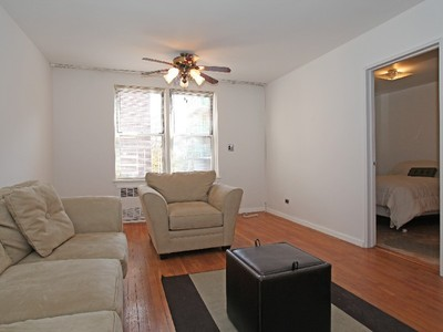 Co-op for sales at Renov JR 1 BR w/Great Light 3512 Oxford Avenue 3G Riverdale, New York 10463 United States