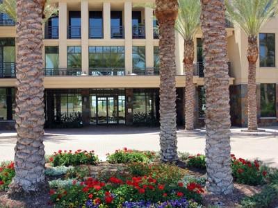 Квартира for sales at Luxury Condo in The Fairway Lodge at the Biltmore 8 Biltmore Estates #212 Phoenix, Аризона 85016 Соединенные Штаты
