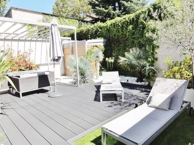 Single Family Home for sales at MONTCHAT - SUPERBE MAISON CONTEMPORAINE AVEC JARDIN  Lyon, Rhone-Alpes 69003 France