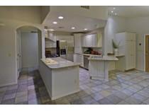 獨棟家庭住宅 for sales at Charming West Side Beauty 1861 N Rolling Stone Drive   Tucson, 亞利桑那州 85745 美國