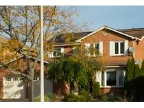 Casa Unifamiliar for sales at Beauty in River Oaks 2085 Oakmead Blvd.   Oakville, Ontario L6H5C2 Canadá