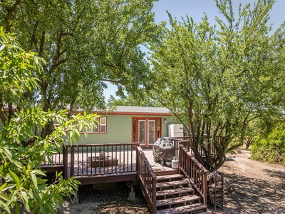 Maison unifamiliale for sales at Country Home on 12.4+/- Acres 1110 Paseo Almendra  Templeton, Californie 93465 États-Unis