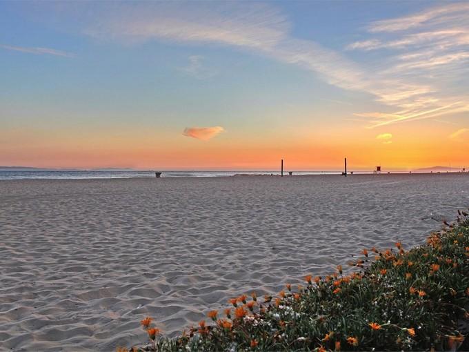 Einfamilienhaus for sales at 5201 Seashore Drive  Newport Beach, Kalifornien 92663 Vereinigte Staaten