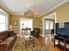 共管物業 for  sales at Spacious Updated Duplex 28 Owencroft St Unit 2  Boston, 麻塞諸塞州 02124 美國