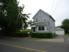 Maison unifamiliale for sales at Great Stratford Home 640 Honeyspot Road Stratford, Connecticut 06615 États-Unis