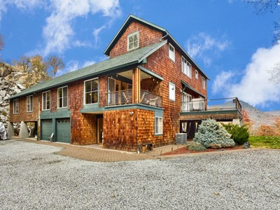 Maison unifamiliale for sales at 8363 Gold Ray Rd   Central Point, Oregon 97502 États-Unis