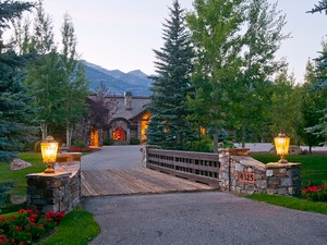Additional photo for property listing at Old World Grandeur 4325 Greens Place  West Bank North, Wyoming 83014 Hoa Kỳ