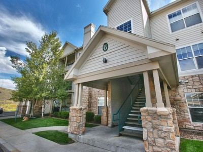 Condominio for sales at Best of Show in Canyon Creek 2 BR with Garage 900 Bitner Rd #G33  Park City, Utah 84098 Stati Uniti