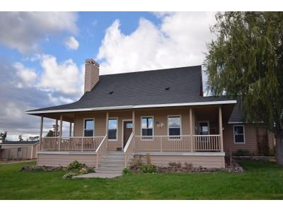 Maison unifamiliale for sales at 2115 SW Wampler Lane Powell Butte OR    Powell Butte, Oregon 97753 États-Unis