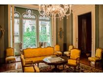 Apartamento for sales at Majestuosa propiedad catalogada en el Eixample Barcelona City, Barcelona España
