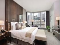 Kat Mülkiyeti for sales at Five Star Trump Tower Hotel/Condo Unit 401 N Wabash Avenue Unit 1842   Chicago, Illinois 60611 Amerika Birleşik Devletleri