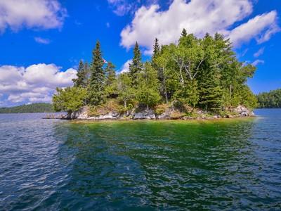 Einfamilienhaus for sales at Gracefield Half Crown Island, 31 Mile Lake Gracefield, Quebec J0X1W0 Kanada