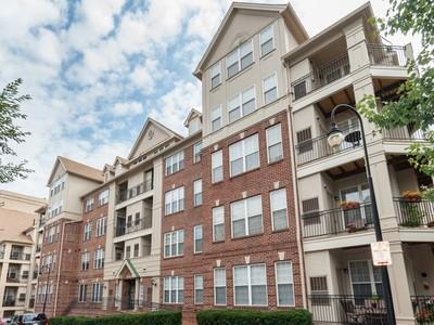 Condominium for sales at 1321 Adams Court 303, Arlington 1321 Adams Ct 303 Arlington, Virginia 22201 United States
