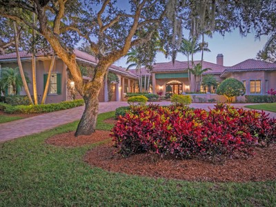Single Family Home for  at Riverfront Home in The Shores 110 Twin Island Reach Vero Beach, Florida 32963 United States