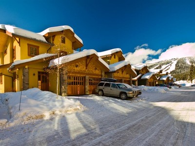 Casa Unifamiliar Adosada for sales at Trail's Edge 28-5000 Sun Peaks Rd Sun Peaks, British Columbia V0E Canadá