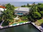 Maison unifamiliale for  sales at Casual Elegance at Ocean Reef   Ocean Reef Community, Key Largo, Florida 33037 États-Unis
