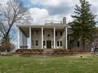 Villa for sales at Beautiful River Views 22 Thornhill Drive Wildwood, Missouri 63025 Stati Uniti