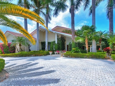 独户住宅 for sales at 7202 Monaco Street  Coral Gables, 佛罗里达州 33143 美国