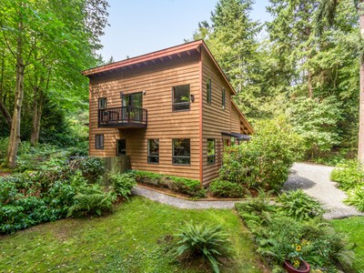 Nhà ở một gia đình for sales at Sophisticated Northwest Home 14025 Sunrise Dr NE  Bainbridge Island, Washington 98110 Hoa Kỳ