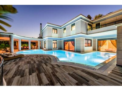 Moradia for sales at Elite Elegance Dodecanese Rhodes, Sul Do Mar Egeu 85100 Grécia