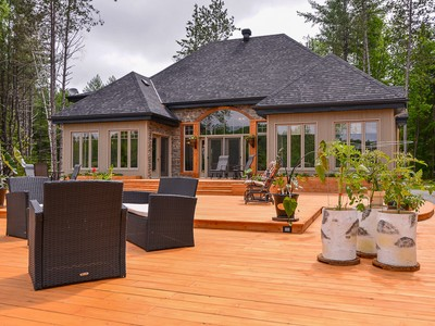 Einfamilienhaus for sales at Val-des-Bois Val-Des-Bois, Quebec Kanada