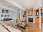 Condominio for sales at Incredible Duplex 3039 N Troy Street Unit 1W Chicago, Illinois 60618 Stati Uniti