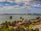 Moradia for sales at 11111 Biscayne Blvd 11111 Biscayne Blvd 751 Miami, Florida 33181 Estados Unidos