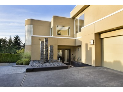 Vivienda unifamiliar for sales at Clyde Hill 9085 NE 26th Street  Clyde Hill, Washington 98004 Estados Unidos