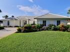 Maison unifamiliale for  sales at CBS Pool Home, East of A1A, Bight & Sunny! 1807 East Sandpointe Place   Vero Beach, Florida 32963 États-Unis