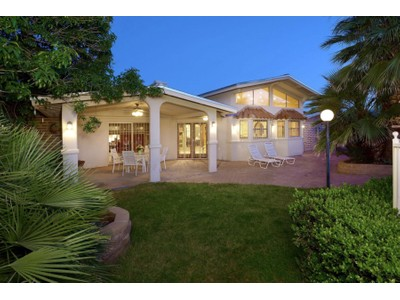 Casa Unifamiliar for sales at Gorgeous Classic Burnt Adobe Home in Historic Harold Bell Wright Estates 920 N Corinth Ave E Tucson, Arizona 85710 Estados Unidos