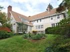 Casa Unifamiliar for  sales at Italian Villa 635 Colonial Avenue Pelham, Nueva York 10803 Estados Unidos