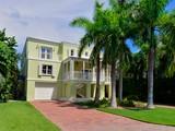 Nhà ở một gia đình for sales at Exquisite Canalfront Home 174 Indian Mound Trail Plantation Key, Florida 33070 Hoa Kỳ