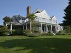 Casa Unifamiliar for  sales at Monomoy at it's best! 6 Sandwich Road Nantucket, Massachusetts 02554 Estados Unidos