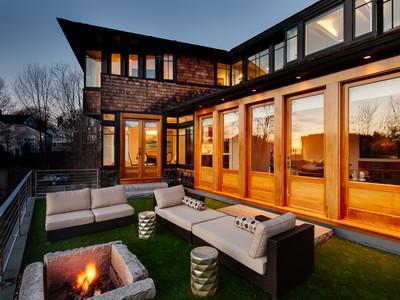 Частный односемейный дом for sales at 1 Mechanic 1 Mechanic Street Rockport, Мэн 04856 Соединенные Штаты