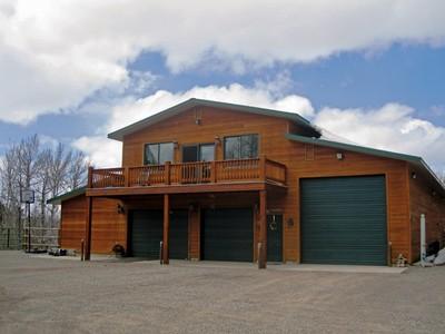 Casa Unifamiliar for sales at Dell Creek 18.04 Acre Horse Property 176 Dell Creek Rd Alpine, Wyoming 83128 Estados Unidos