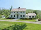 Einfamilienhaus for sales at Country Chic 458 Breezy Hill Rd Copake, New York 12529 Vereinigte Staaten