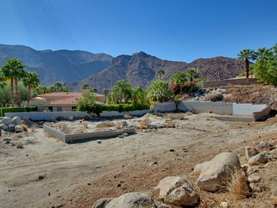 Land for sales at 818 West Stevens Road   Palm Springs, California 92262 United States