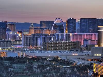 Condomínio for sales at 2777 Paradise Rd #3704  Las Vegas, Nevada 89109 Estados Unidos