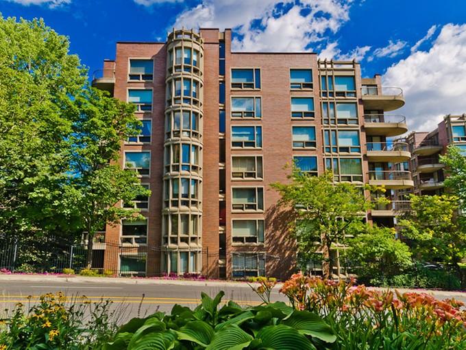 Condominium for sales at Montréal 3577 Av. Atwater, apt. 905 Montreal, Quebec H3H2R2 Canada