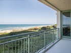 Appartement en copropriété for sales at Stunning Oceanfront Condo in Altamira 4330 A1A N #302N Fort Pierce, Florida 34949 États-Unis
