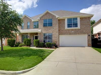 Tek Ailelik Ev for sales at 4624 Ocean Drive  Fort Worth, Teksas 76123 Amerika Birleşik Devletleri