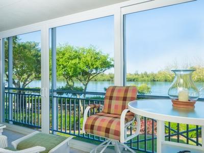 Appartement en copropriété for sales at Stunning Condo in Sea Oaks 8795 Orchid Island Circle #304  Vero Beach, Florida 32963 États-Unis