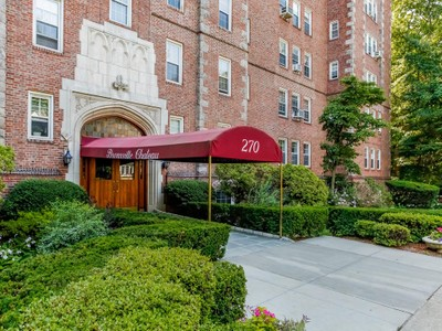 Mietervereinswohnung for sales at Bronxville Chateau 270 Bronxville Rd #B1 Bronxville, New York 10708 Vereinigte Staaten
