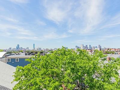 콘도미니엄 for sales at 288 Bowen Street Unit 2  Boston, 매사추세츠 02127 미국