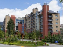 Maison unifamiliale for sales at Whistler Way 502/504 4050 Whistler   Whistler, Colombie-Britannique V0N1B4 Canada