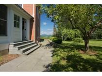 Maison unifamiliale for sales at Custom Designed Colonial 1100 St. Pierre Road   Enosburg, Vermont 05450 États-Unis