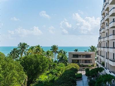 Condomínio for sales at Key Colony 2 251 Crandon Blvd #505  Key Biscayne, Florida 33149 Estados Unidos